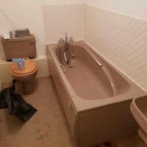 old pink bathroom suite