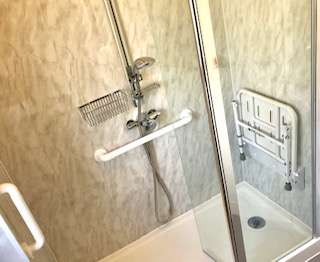 new easy access shower with seat